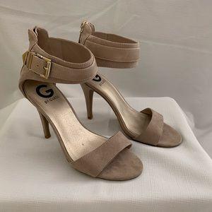 GUESS nude suede heels